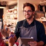 5 razones por las que es imprescindible digitalizar a tus colaboradores de primera línea