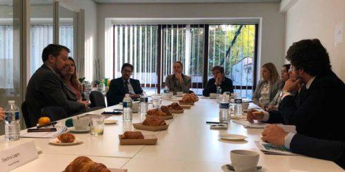 Manuel Mostaza analiza en las oficinas de ATREVIA Bruselas las perspectivas electorales ante el 10N